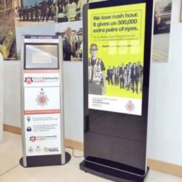 led slimline freestanding digital signage posters kiosks totems standalone plug and play 22