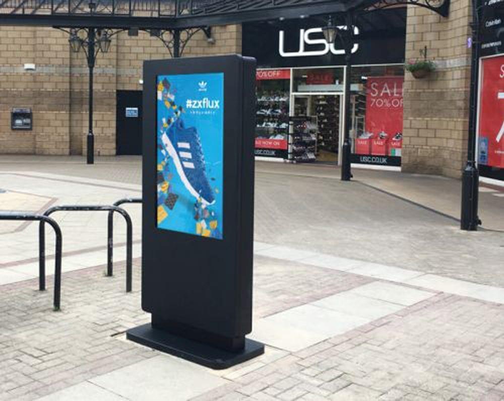 outdoor waterproof freestanding digital signage posters kiosks totems 05 1 Copy 2